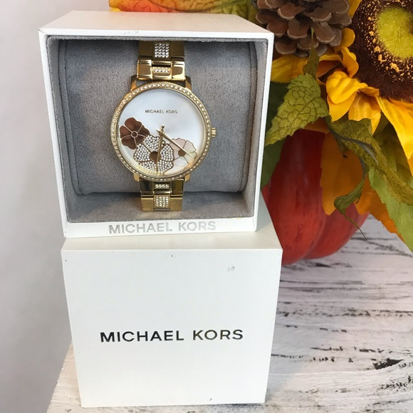 2fbf236e50aa Michael kors gold floral watch NWT
